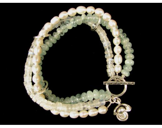 AQUAMARINE AND PEARL BRACELET AND CHARM