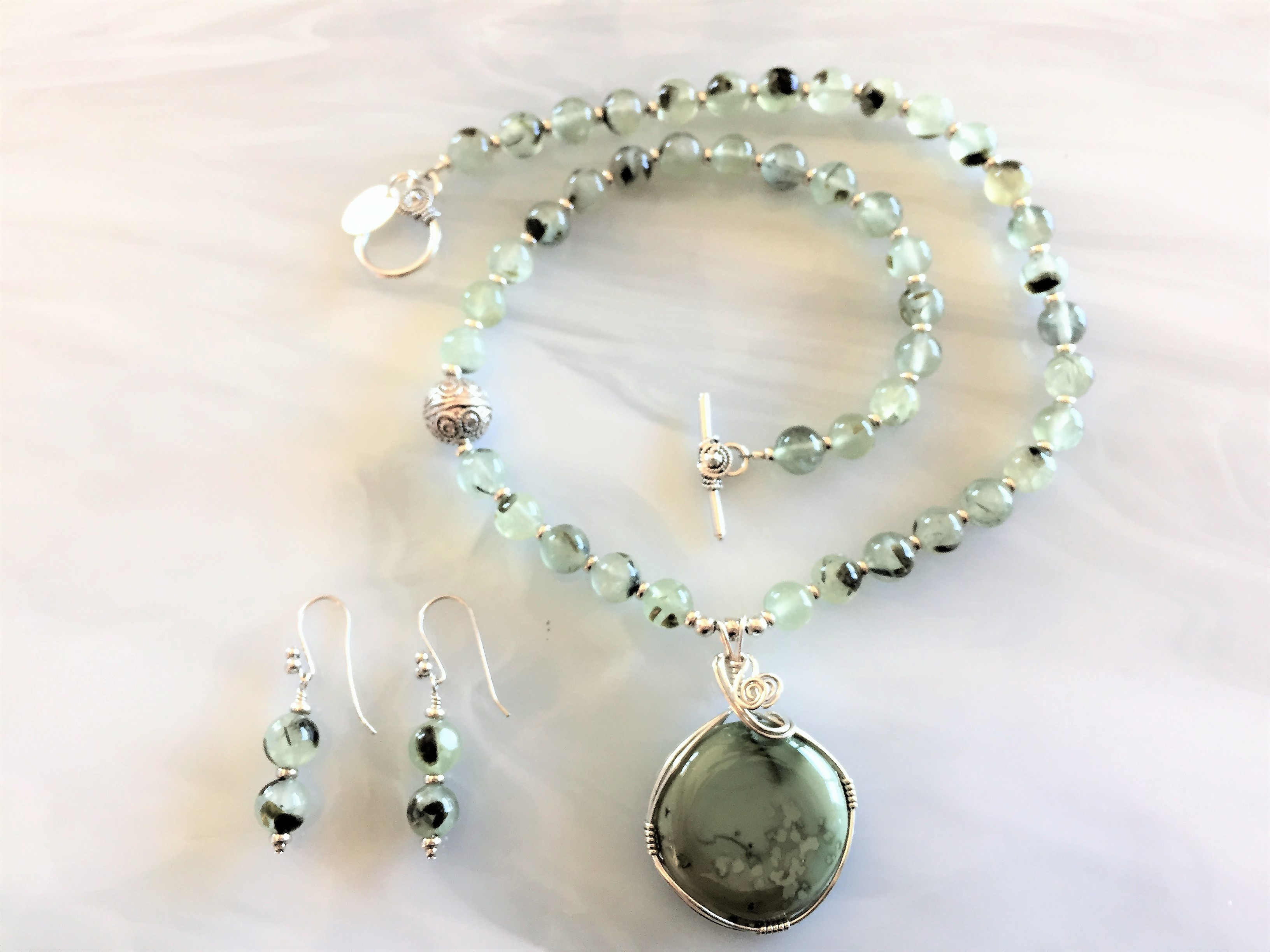 store product chrysoprase bead necklace