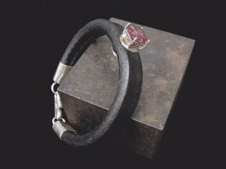LEATHER AND STERLING BRACELET WITH ALEXANDRITE