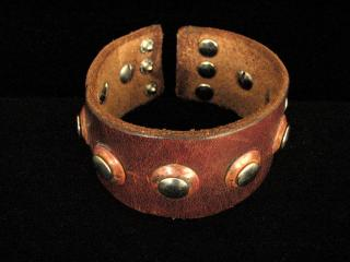 BOLD HANDCRAFTED LEATHER AND COPPER BRACELET
